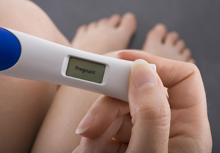 Choisir un test de grossesse digital