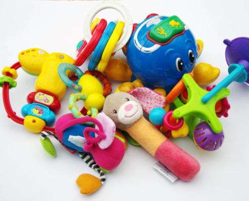 Comment choisir un jouet d'éveil pour bébé de 1 à 2 ans ?